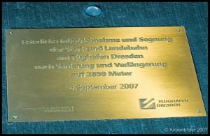 Eröffnung der neuen Start- und Landebahn Dresden